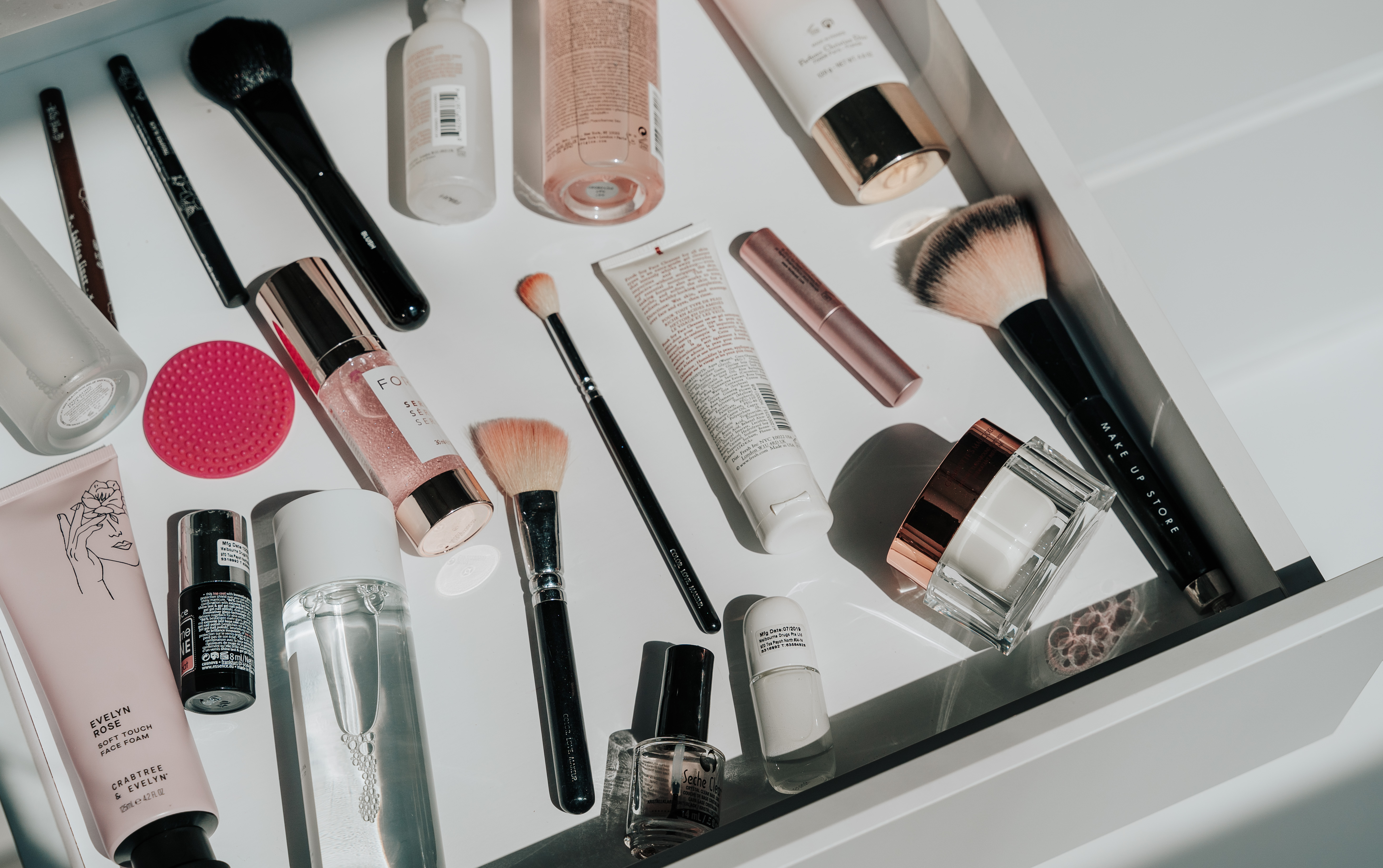4 Ways To Repurpose Your Expired Beauty Products
